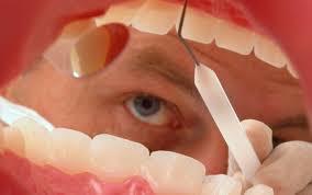 [新聞] 市民不敢洗牙 牙醫收入銳減